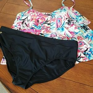 NWOT It Figures Tummy Thinner 2 Piece Swimsuit